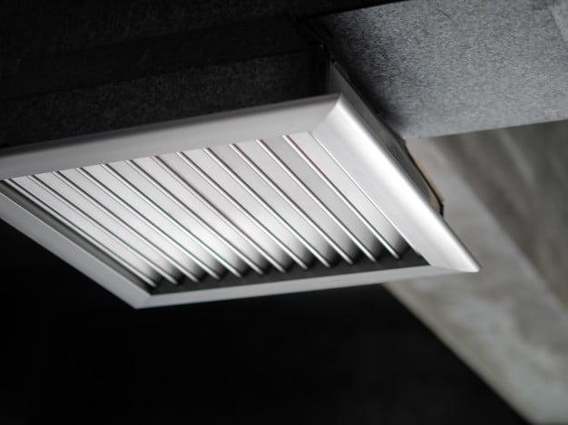Air ventilating tube
