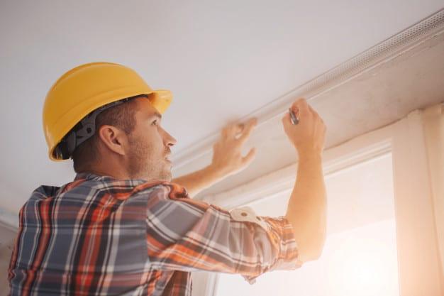 Constructor make ceiling repair