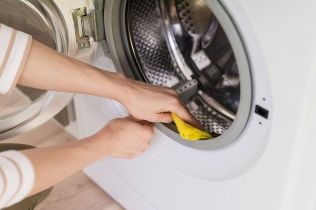 Cleaning inside washing machine