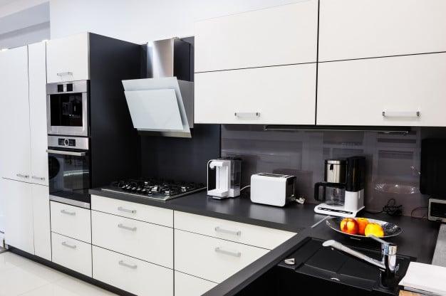 modern-hi-tek-kitchen-clean